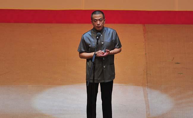 青年相声演员冯巍讲述故事《诚信无价》